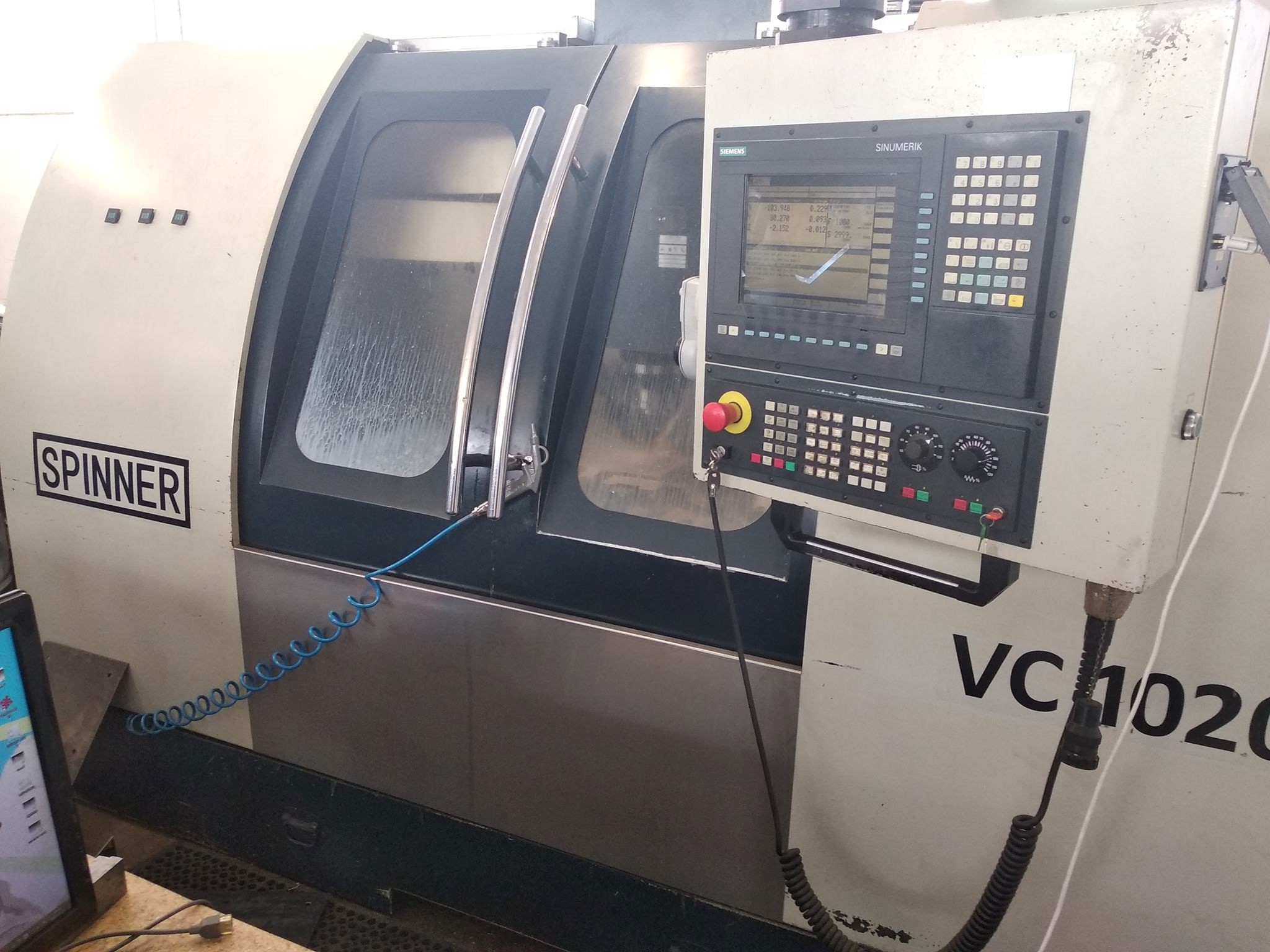CNC milling machine (3 axis)
